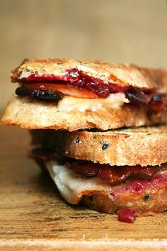 Bacon, Cheddar and Pear Panini - From http://pinterest.com/pin/12384967697971443/