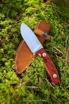 LionSteel M2 CB hunting knife, Italy. D2 steel blade and cocobolo handle. Photography by Jarek Konarzewski