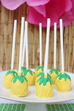 pineapple cake ball pops; Hawaiian theme birthday party