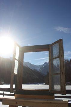 Photobooth mit Traumkulisse - Winterhochzeit am Riessersee, Seehaus Riessersee Hotel Garmisch-Partenkirchen