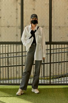 Classy Street Style, Asian Street Style, Street Style Women, Asian Street Fashion, Korean Fashion Minimal, Korean Fashion Summer, Korean Fashion Kpop Inspired Outfits, Seoul, Fashion Women