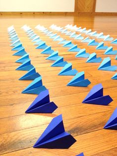Ombre White to Blue Origami Planes, Origami Garlands, Origami Photo Backdrop, Travel Wedding Theme, Ombre Blue Origami Decorations by FlyingCraneOrigami on Etsy