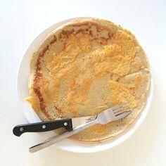 basisrecept boekweit pannenkoeken.  voor 4: 100 gr meel, 2 eieren, 300 ml water (wraps) of melk (pannenkoek)