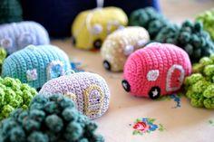 Greedy For Colour: How to Crochet an Advent Christmas Caravan!