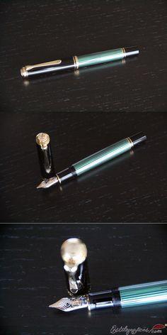 Pluma Estilográfica Souverän M100 verde de Pelikan. Plumín de oro macizo de 18 quilates.