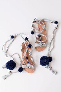 How to make DIY pompom sandals