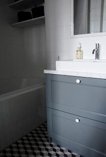A Moody and Collected Paris Flat Bathroom Toilets, Bathroom Renos, Master Bathroom, Hereford House, Basement Toilet, Paris Flat, Craftsman Cottage, Bath And Beyond, Paris Apartments