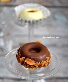 Pâtisseries au chocolat sans cuisson (mignardises) Some Recipe, Biscuits, Doughnut, Sweet Recipes, Health Fitness, Food And Drink, Chocolate, Blazer, Recipes