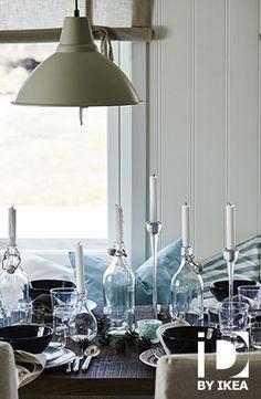 Creëer een gezellige sfeer met de juiste tafeldecoratie voor je feesttafel. FENOMEN kandelaar #IKEABE #IKEAidee #aantafel