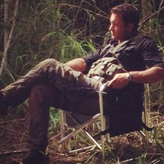 S3 BTS pic of alex deep in thought. So beautiful! Credit michelle borth twitter acct.