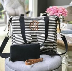 """Thirty-One Gifts """"Our Casual Cargo Bag doubles as a traveling office when you put our Fold N' File inside! Thirty One Uses, Thirty One Fall, Thirty One Party, Thirty One Gifts, Thirty One Consultant, Independent Consultant, Thirty One Business, Large Utility Tote, 31 Gifts"""