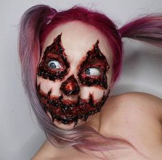 Halloween Costume Ideas Gory Halloween Makeup, Scary Clown Makeup, Amazing Halloween Makeup, Pretty Halloween, Fete Halloween, Halloween Costumes, Halloween Inspo, Horror Make-up, Special Effects Makeup