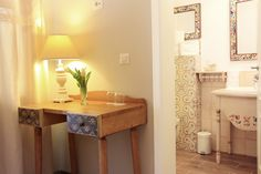 Pastel Chalet | Camera Borangic | Dalghiu | Brasov | Romania | Muntii Ciucas | Inspiration | Interior Design | Boutique Design Boutique, Pastel, Entryway Tables, Old Things, Romantic, Wood, Interior, Furniture, Home Decor