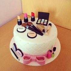 Make Up Torte, Make Up Cake, Love Cake, Pretty Cakes, Cute Cakes, Makeup Birthday Cakes, Mac Cake, Novelty Cakes, Occasion Cakes