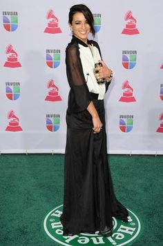 HIT: Bebe is original and is crisp in this flowy dress. Photo: Getty Images