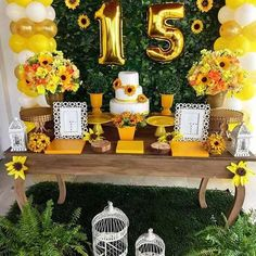 15 anos girassol Sunflower Party Themes, Sunflower Birthday Parties, 60th Birthday Party Decorations, Sunflower Wedding Decorations, Mexican Party Decorations, Flower Decorations, Western Birthday Cakes, Birthday Cakes For Teens, 14th Birthday