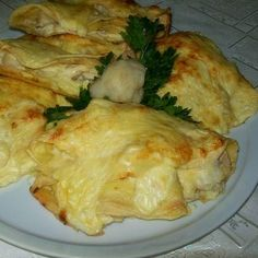 Csirkés-karfiolos palacsinta Recept képpel - Mindmegette.hu - Receptek Kaja, Paleo, Food Porn, Sweets, Chicken, Recipes, Bors, Easter, Sweet Pastries