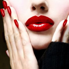 nails makeup: Classic red lips & nails - 20 Stunning Way To Wear Red Lips