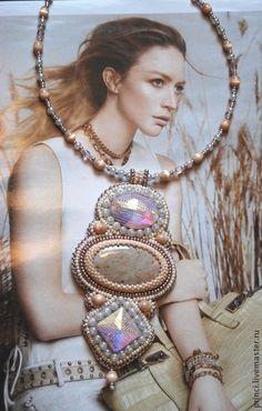 "Кулоны, подвески ручной работы. Ярмарка Мастеров - ручная работа Кулон с окаменелым кораллом ""Эллада"". Handmade. Bead Embroidery Jewelry, Beaded Embroidery, Beaded Jewelry, Beaded Necklace, Necklaces, Beading Projects, Beading Tutorials, Beading Patterns, Handmade Beads"