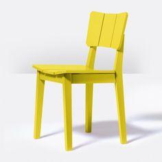 A cadeira Uma é simples, leve e bastante versátil. Pode ser usada em mesas de jantar, mesas de cozinha ou até mesmo como elemento decorativo de apoio para compor o seu ambiente. A Uma tem os pés feitos em madeira de eucalipto, que é caracterizada principalmente por sua alta densidade e durabilidade além de boa resistência ao impacto. Encosto e assento foram cuidadosamente trabalhados para garantir o conforto de quem senta, preocupação constante no trabalho dos designers do Estúdio Oppa. A…
