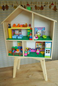 The post Dollhouse Kombination IKEA und Duplikat. appeared first on Ikea ideen. Lego Duplo, Ikea Dollhouse, Dollhouse Bookcase, Diy For Kids, Crafts For Kids, Diy Pour Enfants, Diy Toys, Legos, Kids Playing