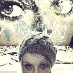Απόκοσμες παρουσίες ισχυρίζεται ότι «συνέλαβε» μία κυνηγός φαντασμάτων! Αποδεικτικά στοιχεία από τον άλλο… κόσμο ισχυρίζεται ότι «συνέλαβε» με τον φωτογραφικό φακό της μία γενναία κομμώτρια που περνά τον ελεύθερο χρόνο της ως κυνηγός φαντασμάτων!   Πηγή: http://metafysiki-pylh.blogspot.com/search/label/Ghosts%20-%20%CE%A3%CF%84%CE%BF%CE%B9%CF%87%CE%B5%CE%B9%CF%89%CE%BC%CE%AD%CE%BD%CE%B1%20%CE%9C%CE%AD%CF%81%CE%B7#ixzz3Ss4UmQMV