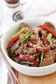Sesame Beef - the easiest and crazy delicious beef stir-fry. Tender and juicy with a killer soy sesame brown sugar sauce. So good you'll wan. Easy Asian Recipes, Halal Recipes, Easy Delicious Recipes, Stir Fry Recipes, Easy Healthy Dinners, Healthy Dinner Recipes, Beef Recipes, Cooking Recipes, Ethnic Recipes