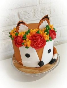 Doux renard - Cakes and shit - Gateau Fancy Cakes, Cute Cakes, Pretty Cakes, Beautiful Cakes, Amazing Cakes, Cake Cookies, Cupcake Cakes, Funfetti Kuchen, Fox Cake