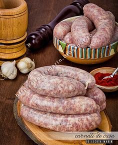 Chicken Mozzarella Pasta, Romanian Food, Romanian Recipes, Smoking Meat, Dried Tomatoes, Creamy Chicken, Sausage Recipes, Sun Dried, Charcuterie