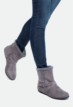 Davette is here to save you on days you don't want to leave the house. Shearling details will keep you cozy, while a flat style makes this bootie a stylish replacement to your slippers....