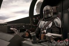 New 'Star Wars: The Rise of Skywalker' and 'The Mandalorian' Photos Tease a Return to a Galaxy Far, Far Away 501st Legion, Star Wars Rebels, Live Action, Mandalorian Ships, Mandalorian Cosplay, Chasseur De Primes, Carl Weathers, Disney Plus, Deadshot
