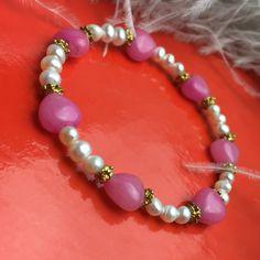 Ein persönlicher Favorit aus meinem Etsy-Shop https://www.etsy.com/de/listing/252945307/armband-aus-jade-herzen-und-perlen