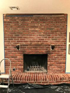 How to Mortar Wash a Brick Fireplace White Wash Brick Fireplace, Painted Brick Fireplaces, Fireplace Update, Paint Fireplace, Brick Fireplace Makeover, Farmhouse Fireplace, Home Fireplace, Fireplace Remodel, Fireplace Design