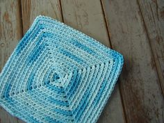 Free Pattern: crocheted square washcloth!