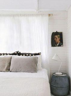 inspiring vintage modern bedroom decor. / sfgirlbybay