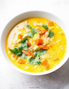 Zupa z kurczakiem, dynią i mlekiem kokosowym