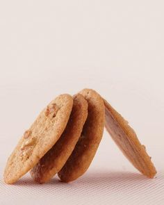 Anna's Walnut-Rum Wafers Recipe