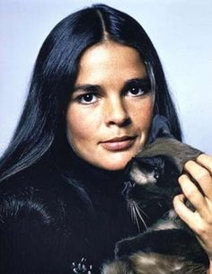 Ali McGraw & her Siamese Cat