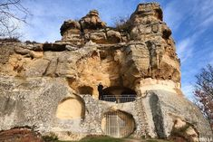 Eremitorio de Presillas, qué ver cerca de Orbaneja del Castillo Secret Places, Spain Travel, Mount Rushmore, Places To Visit, Earth, Mountains, World, Photography, Planes