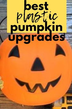 Wondering What to do with dollar tree plastic pumpkins? check out how to decorate boring plastic candy buckets into budget friendly halloween decorations for cheap. #plastic #pumpkins #dollartree