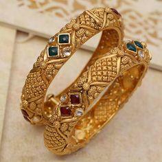 Gold Chain Design, Gold Bangles Design, Gold Jewellery Design, Gold Jewelry, India Jewelry, Antique Jewellery, Diamond Jewellery, Jewlery, Gold Earrings Models