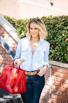Courtney Kerr is always fashionable. What Courtney Wore, Courtney Kerr, Hair Today, Casual Wear, Blue Jeans, Preppy, Boho Chic, Personal Style, Street Style