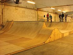 indoor skatepark - Google Search Mini Ramp, Skateboard Ramps, Skate Decks, Longboarding, Skate Park, Building Design, Backyard, Indoor, Bmx