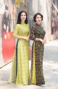 Kurta Designs Women, Kurti Neck Designs, Kurti Designs Party Wear, Mode Abaya, Mode Hijab, Long Dress Fashion, Fashion Dresses, Muslim Fashion, Ethnic Fashion