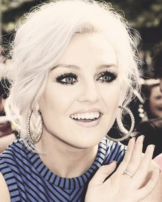 @Perrie Edwards thank you for following me! it means so much!! you are so talented, beautiful, and sweet to ur mixers! love you!!