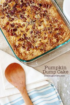 Delicious Pumpkin Dump Cake: Bake at 350 deg mins, but cover with foil after 30 mins 29 oz can pumpkin 1 cup sugar 1 can oz) evaporated milk 3 eggs 4 tsp. Dump Cake Recipes, Dump Cakes, Poke Cakes, Dump Meals, Yellow Cake Mixes, Köstliche Desserts, Cookies Et Biscuits, Sweet Recipes, Thanksgiving Recipes