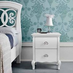 White, vintage and beautiful 'Lover' bedside. It goes perfectly with a white bed. Amazing with both dark and light walls, this bedside looks like the one you would see next to the bed of a princess. High quality. My Italian Living.