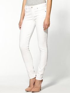 Perfect white denim jeans for Summer. Fashion Essential: a board full of wardrobe basics and staples.