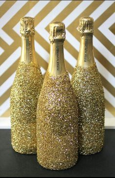 Champagner Flasche - Sprühkleber - Glitzer --> Party