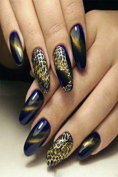 Winter Nails Designs - My Cool Nail Designs Snake Skin Nails, Cat Eye Nails, Winter Nail Designs, Gel Nail Designs, Dragon Nails, Bubble Nails, Nailart, Halloween Acrylic Nails, Pin On